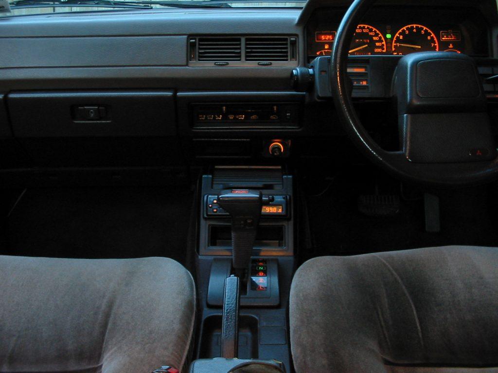 1988 Mitsubishi V3000 Super Saloon