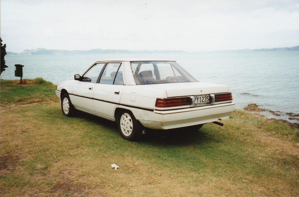 PY1235 - 1987 Mitsubishi Galant Eterna 1.8